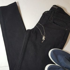 Levis Too Superlow black skinny jeans. Size 5